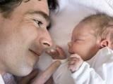 Les hommes savent tout faire avec les bébés